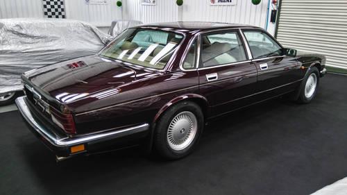 1993 Jaguar XJ40 XJ6 in immaculate cond' DEPOSIT TAKEN SOLD (picture 4 of 6)