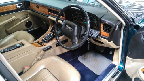1991 Jaguar Daimler XJ40 4.0 Kingfisher Blue DEPOSIT TAKEN SOLD (picture 3 of 6)