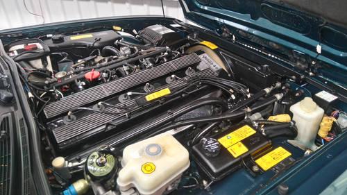 1991 Jaguar Daimler XJ40 4.0 Kingfisher Blue DEPOSIT TAKEN SOLD (picture 4 of 6)