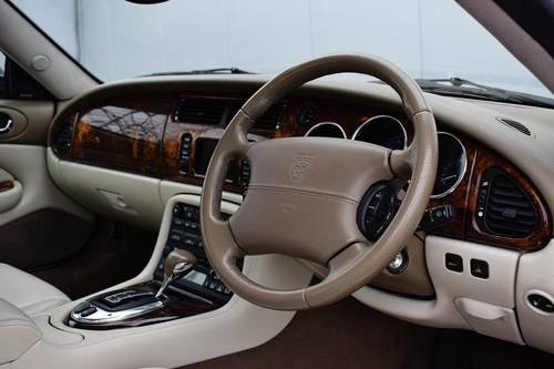 2005 JAGUAR XK8 4.2 V8 Coupe- Only 41717 Miles SOLD (picture 5 of 6)