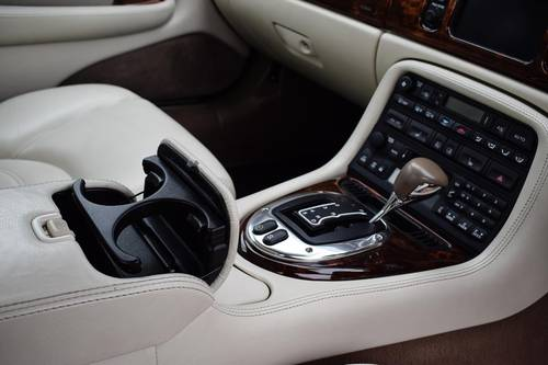 2005 JAGUAR XK8 4.2 V8 Coupe- Only 41717 Miles SOLD (picture 6 of 6)