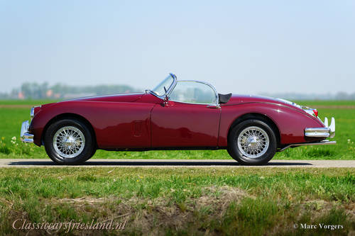 JAGUAR XK 150 3.4 LITRE OTS ROADSTER, 1958 - TOP RESTORED For Sale (picture 2 of 6)