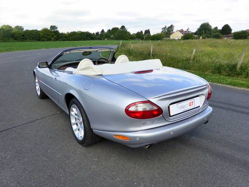 2000 Jaguar XKR V8 Supercharged Convertible For Sale SOLD (picture 3 of 6)
