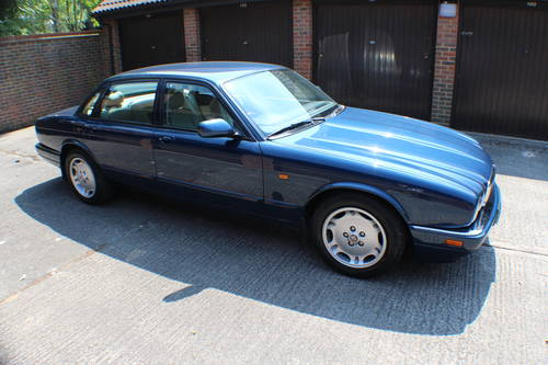 1997 XJ6 SPORT rare 4.0 switchable auto AJ16 Straight Six 90k FSH For Sale (picture 1 of 6)