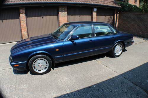 1997 XJ6 SPORT rare 4.0 switchable auto AJ16 Straight Six 90k FSH For Sale (picture 3 of 6)