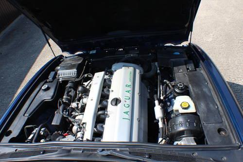 Jaguar XJ6 4.0 SPORT 1997 AJ16 Switchable AUTO 100+ pics For Sale (picture 4 of 6)