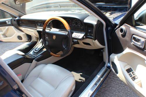 Jaguar XJ6 4.0 SPORT 1997 AJ16 Switchable AUTO 100+ pics For Sale (picture 5 of 6)
