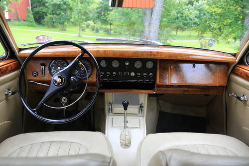1965 Nice Jaguar MK II with really extensive history For Sale (picture 5 of 6)