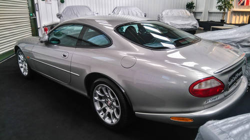 2000 Jaguar XK8 4.0 in lovely condition and full history SOLD (picture 4 of 6)