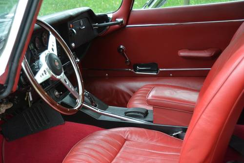 1972 Jaguar E-type V12 SIII Coupé restored to original condition. SOLD (picture 5 of 6)