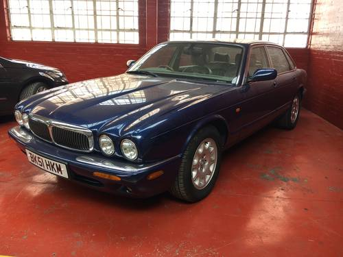 Jaguar XJ8 3.2 V8 SWB Auto 76k with FSH 2001 For Sale (picture 3 of 6)