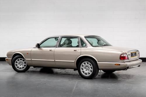 2002 Jaguar XJ8 3.2 Executive Auto- Only 46391 Miles SOLD (picture 5 of 6)
