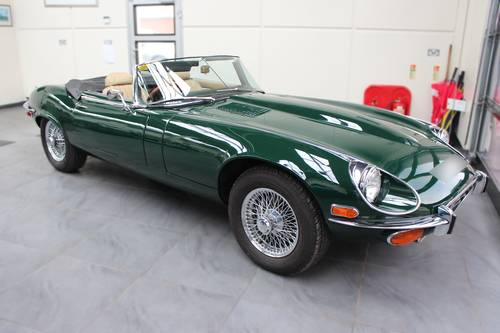 1972 JAGUAR V12 'E' TYPE ROADSTER AUTO. SOLD (picture 1 of 6)