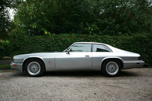 1993 xjs xj-s 6.0 v12 coupe - excellent history, rare SOLD (picture 3 of 6)