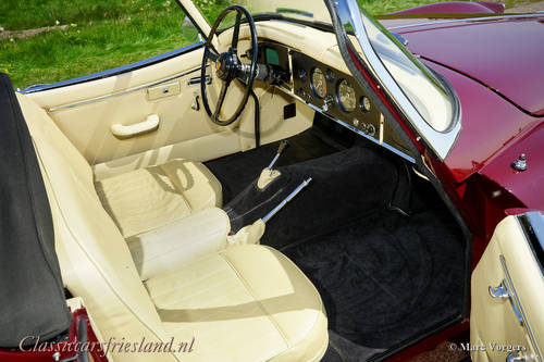 JAGUAR XK 150 3.4 LITRE OTS ROADSTER, 1958 - TOP RESTORED For Sale (picture 4 of 6)