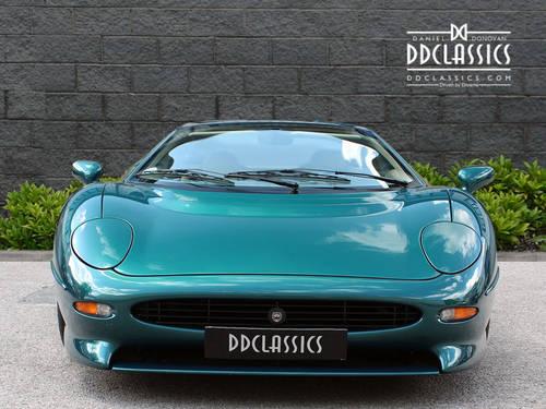 1994 Jaguar XJ220 (LHD) SOLD (picture 3 of 6)