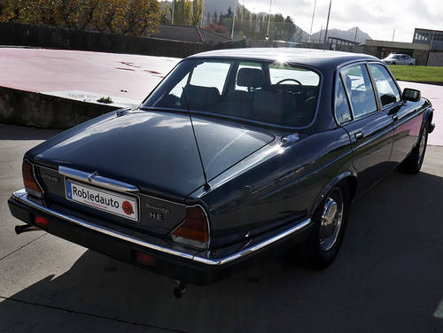 1985 Jaguar XJ12 Sovereign 5.3 HE For Sale (picture 2 of 6)