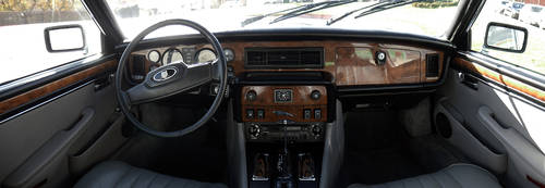 1985 Jaguar XJ12 Sovereign 5.3 HE For Sale (picture 3 of 6)