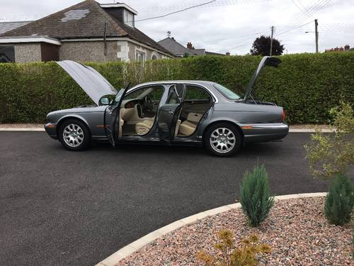 2004 Jaguar XJ6 3.O litre V6 Automatic Low Mileage For Sale (picture 4 of 6)