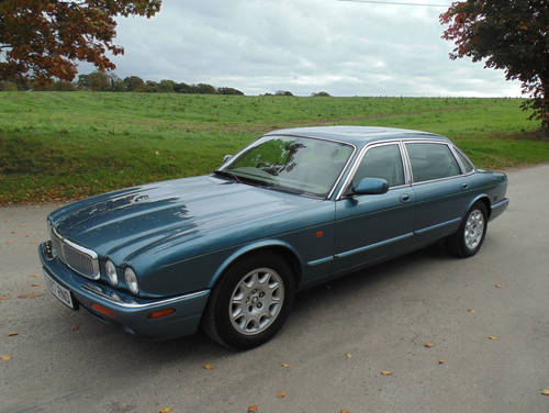 1998 Jaguar XJ V8 Sovereign LWB with LPG SOLD (picture 1 of 6)