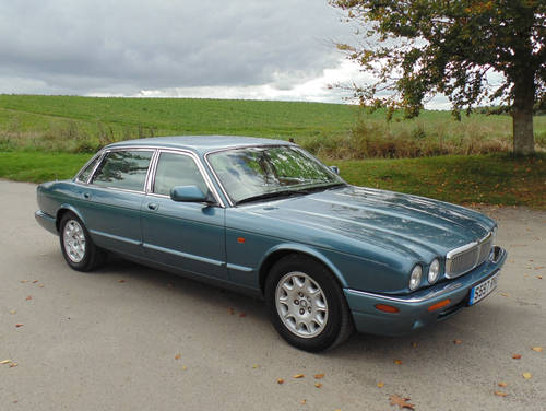 1998 Jaguar XJ V8 Sovereign LWB with LPG SOLD (picture 2 of 6)