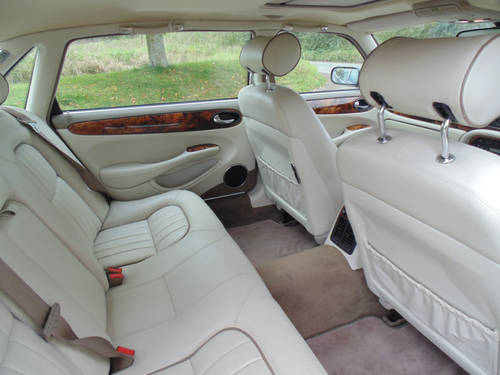 1998 Jaguar XJ V8 Sovereign LWB with LPG SOLD (picture 5 of 6)