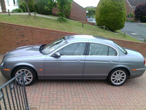 2007 Jaguar s-type s.e  ultra low 7071 genuine miles For Sale (picture 1 of 6)