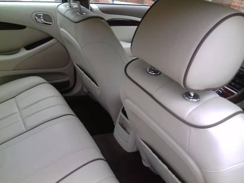 2007 Jaguar s-type s.e  ultra low 7071 genuine miles For Sale (picture 4 of 6)