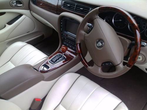 2007 Jaguar s-type s.e  ultra low 7071 genuine miles For Sale (picture 5 of 6)
