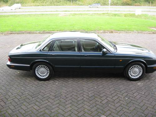 1999 Jaguar XJ 3.2 V8 Executive € 9.900 For Sale (picture 1 of 6)