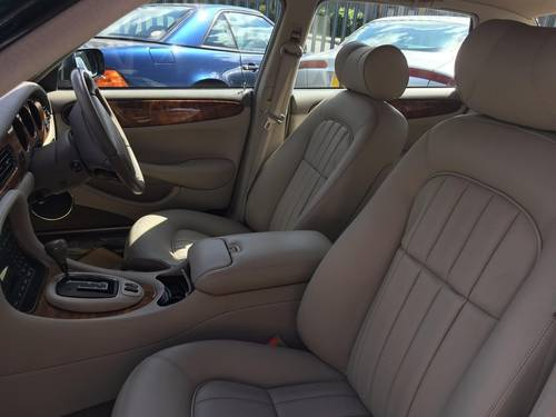 2001 Jaguar XJ8 Saloon Executive 32000 miles only, truly fabulous SOLD (picture 5 of 6)