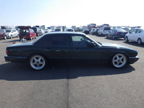 Arden Jaguar XJR Left hand Drive 1996 BRG with Ivory leather For Sale (picture 1 of 6)