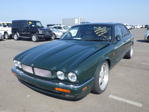 Arden Jaguar XJR Left hand Drive 1996 BRG with Ivory leather For Sale (picture 2 of 6)