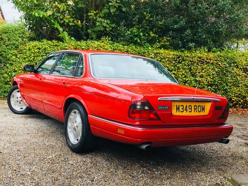 1994 X300 XJ SPORT XJ6 AUTO - SIGNAL RED - LOW MILEAGE  SOLD (picture 2 of 6)