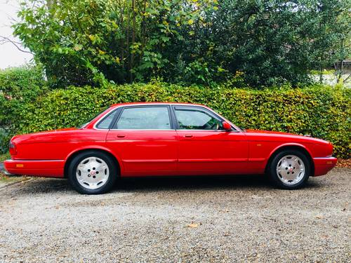 1994 X300 XJ SPORT XJ6 AUTO - SIGNAL RED - LOW MILEAGE  SOLD (picture 3 of 6)