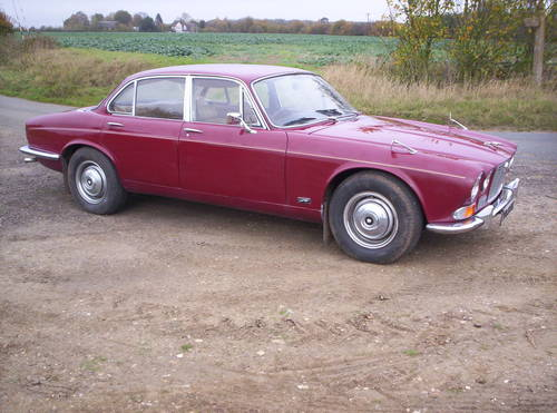 1973 series 1 xj6 2.8 12 months mot just been recommisioned SOLD (picture 2 of 6)