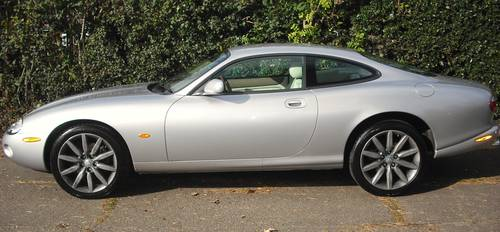 2004 JAGUAR XK8 4.2 COUPE,SAT/NAV,SERVICE HISTORY,68000 miles For Sale (picture 2 of 6)