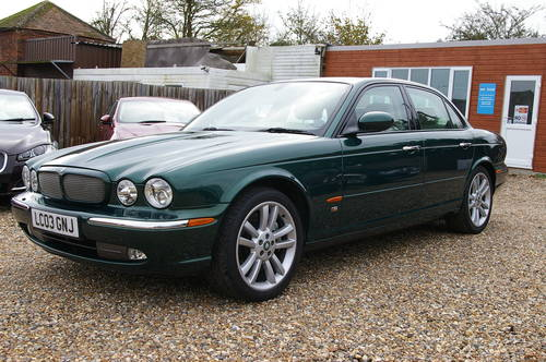 2003 Stunning 4.2 Supercharged Jaguar XJR For Sale (picture 1 of 6)