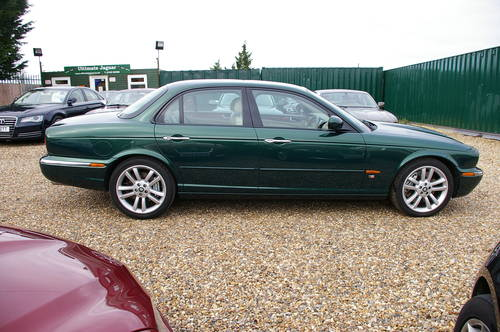 2003 Stunning 4.2 Supercharged Jaguar XJR For Sale (picture 2 of 6)