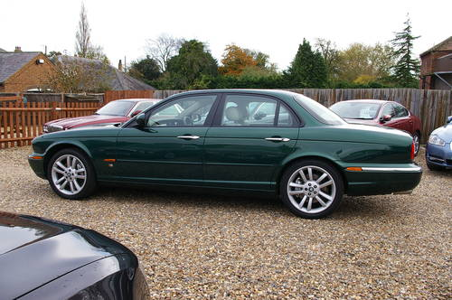 2003 Stunning 4.2 Supercharged Jaguar XJR For Sale (picture 4 of 6)