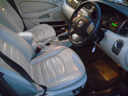 2008 58 PLATE DIESEL JAGUAR X TYPE IN BLACK MOTED JUNE SMART For Sale (picture 5 of 6)