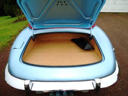 Jaguar E Type V12 Roadster 1972 For Sale (picture 4 of 6)