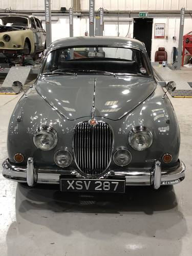 1960 Jaguar MKII 2.4 Manual with Overdrive For Sale (picture 3 of 4)