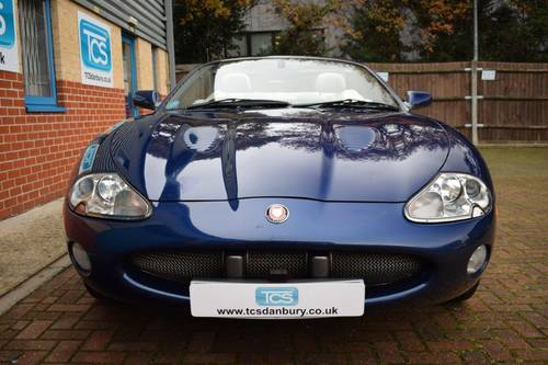 2001 Jaguar XKR 4.0i V8 Convertible  SOLD (picture 4 of 6)