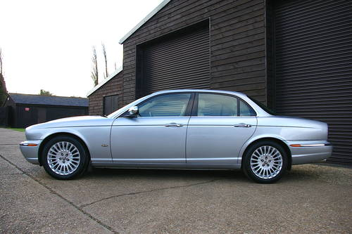 2006 Jaguar XJ 2.7 TDVi Sovereign Saloon Auto (69,004 miles) SOLD (picture 1 of 6)