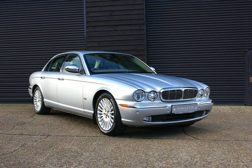 2006 Jaguar XJ 2.7 TDVi Sovereign Saloon Auto (69,004 miles) SOLD (picture 2 of 6)