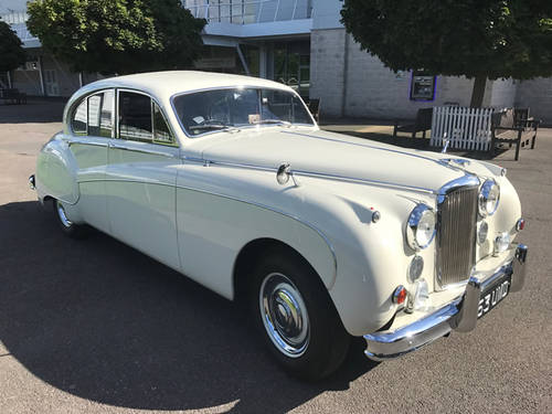 1959 Jaguar MkIX Saloon. Restored to Pebble Beach Std! For Sale (picture 1 of 6)