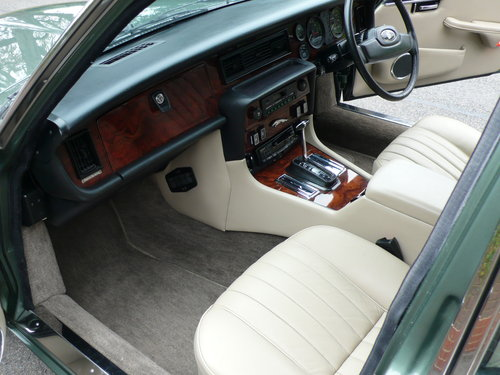 1986 JAGUAR SOVEREIGN 4.2 Ltr SERIES 3 24,000 miles only SOLD (picture 4 of 6)
