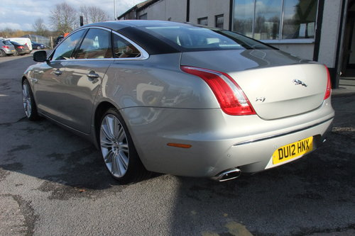 2012 JAGUAR XJ 3.0 D V6 PREMIUM LUXURY SWB 4DR AUTOMATIC SOLD (picture 3 of 6)