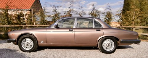 1985 Jaguar XJ12 Sovereign HE Series 3 ( RESERVED ) SOLD (picture 4 of 6)